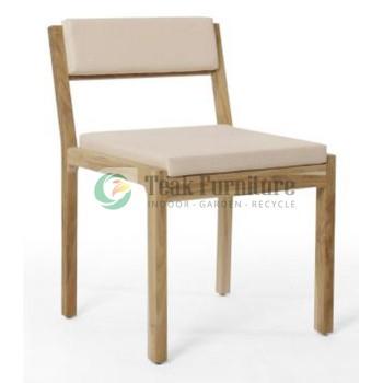 Chair Whit Chusion